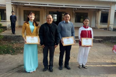 Hình ảnh tuyên dương GV và HS đạt thành tích Hội thi KHKT và kỳ thi OLYMPIC cấp Tỉnh năm 2018